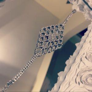 Beautiful Crystal Mandala Scalloped Bracelet